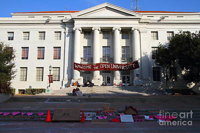 Uc Berkeley . Sproul Hall . Sproul Plaza . Occupy Uc Berkeley . 7d10017 Art Print by Wingsdomain Art and Photography
