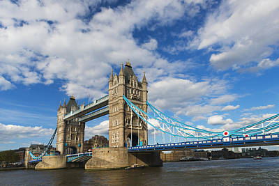 Y120907 Photograph - Uk, England, London, Tower Bridge by Tetra Images