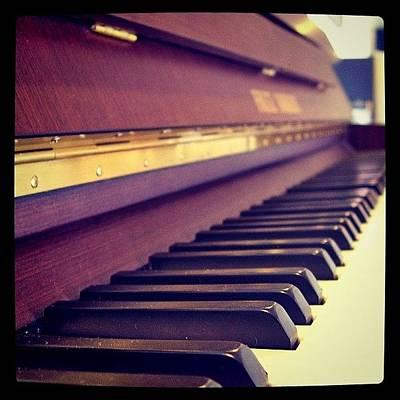 Piano Photograph - Um Nota! by Amailto Sales
