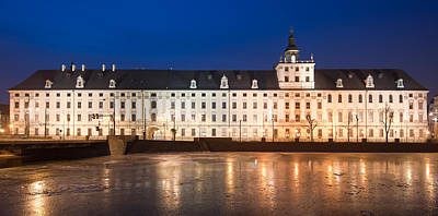 Oder Photograph - University Of Wroclaw At Night by Sebastian Musial