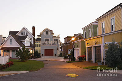 Upscale Photograph - Upscale Homes by Roberto Westbrook
