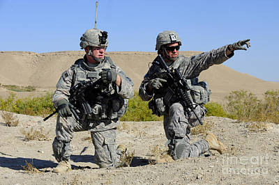 Qalat Photograph - U.s. Army Soldiers Familiarize by Stocktrek Images