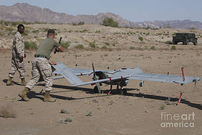 Niland Photograph - U.s. Marines Recover An Rq-7b Shadow by Stocktrek Images