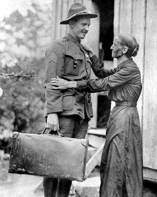 Alvin Photograph - U.s. Soldier Alvin York Left by Everett