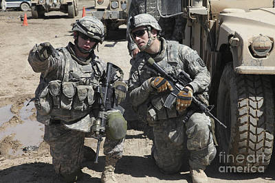 U.s. Soldiers Coordinate Security Art Print by Stocktrek Images