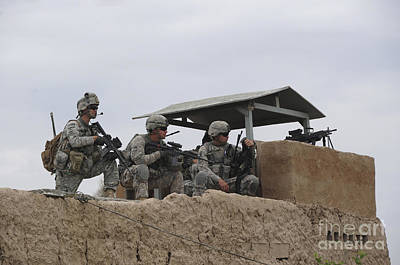 Afghanistan National Police Photograph - U.s. Soldiers Secure A Perimeter by Stocktrek Images