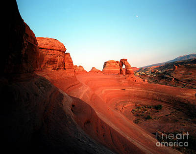 Photograph - Utah - Delicate Arch 4 by Terry Elniski