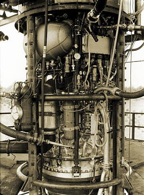 V2 Rocket Photograph - V-2 Rocket Engine by Detlev Van Ravenswaay