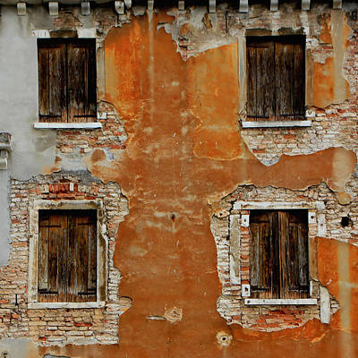 Photograph - Venice Buildings 1 by Andrew Fare