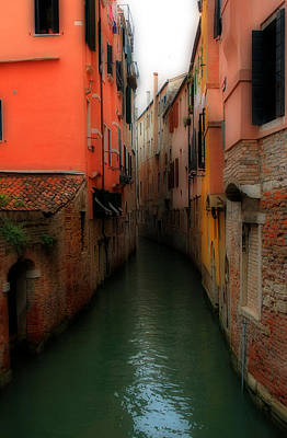 Photograph - Venice Canals 2 by Andrew Fare