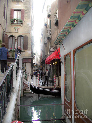 Print featuring the photograph Venice by Leslie Hunziker