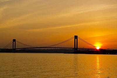 Brooklyn Bridge Photograph - Verrazano Sunset by Frank Winters