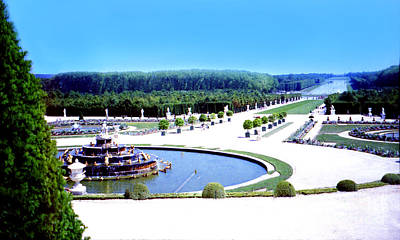 Photograph - Versailles Garden Horizon by Donna Munro