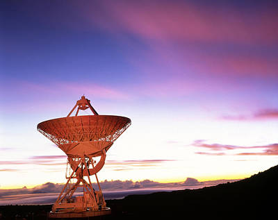 Mauna Kea Photograph - Very Long Baseline Array Radio Telescope, Hawaii by David Nunuk