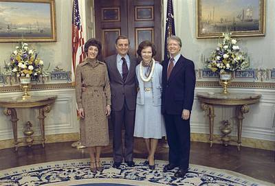Vice President And Joan Mondale Pose Art Print by Everett