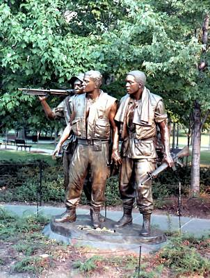 Photograph - Vietnam Memorial by Lynnette Johns