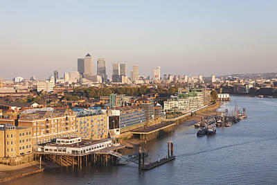 View Along River Thames To Canary Wharf Art Print
