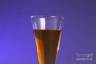 Vinegar & Baking Soda Experiment, 1 Or 3 Art Print by Photo Researchers, Inc.