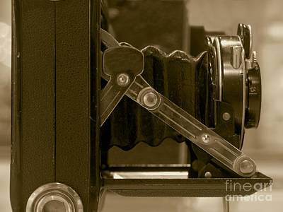 Aperture Photograph - Vintage Camera With Bellows by Yali Shi
