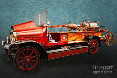 Photograph - Vintage Fire Truck by Jutta Maria Pusl
