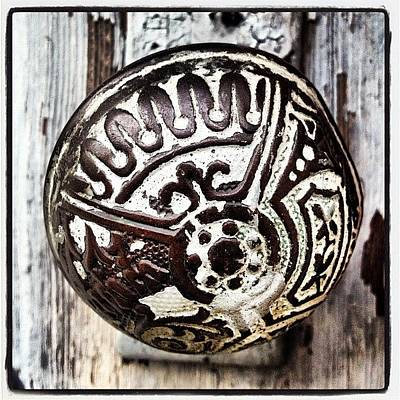 Vintage Wall Art - Photograph - Vintage Knob by Ken Powers