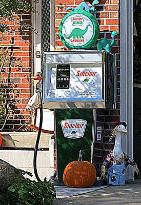 Photograph - Vintage Sinclair Dino Gas Pump by Kay Novy