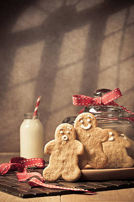 Cookie Jar Wall Art - Photograph - Vintage Style Gingerbread Men by Amanda Elwell