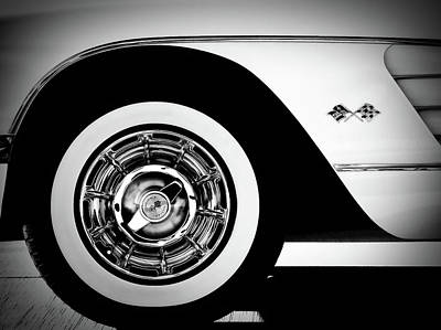 Automobiles Digital Art - Vintage Vette by Douglas Pittman