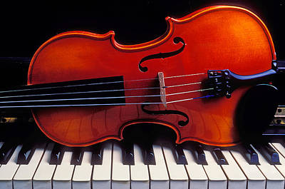 Keyboards Photograph - Violin On Piano Keys by Garry Gay