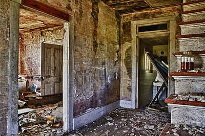 Virginia Interior Ruins Art Print by Greg Molesworth