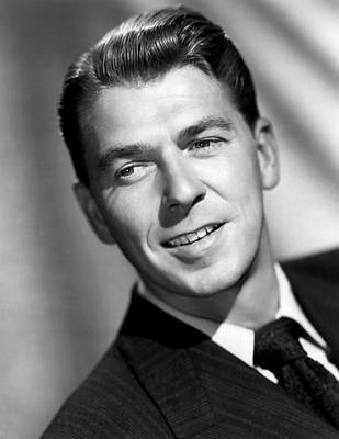 1947 Movies Photograph - Voice Of The Turtle, Ronald Reagan, 1947 by Everett