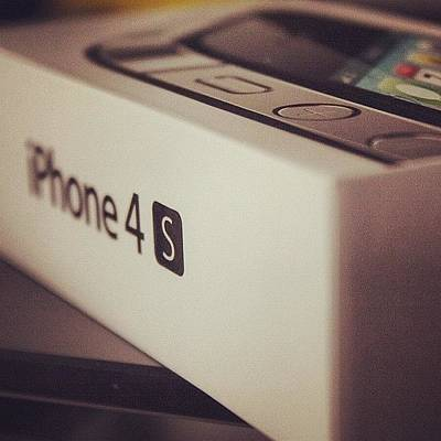 Iphone 4s Photograph - Vuelvo A Estar Online Everywhere by Ruben Coedo