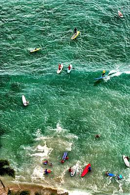 Photograph - Waikiki Surfing by Jim Albritton