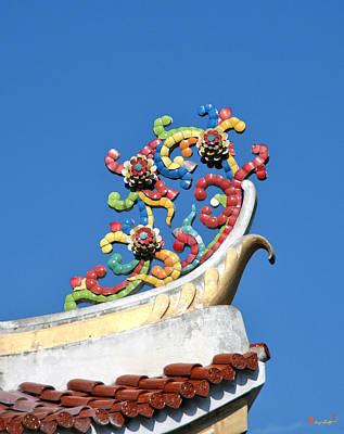 Photograph - Wat Uphai Rat Bamrung Bot Finial Dthb1088 by Gerry Gantt