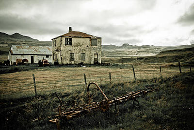 Photograph - Weathered Farm House by Anthony Doudt