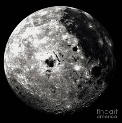 Western Hemisphere Of Moon From Galileo Art Print by NASA / Science Source