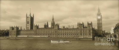 Photograph - Westminster Palace And Big Ben by Heidi Hermes