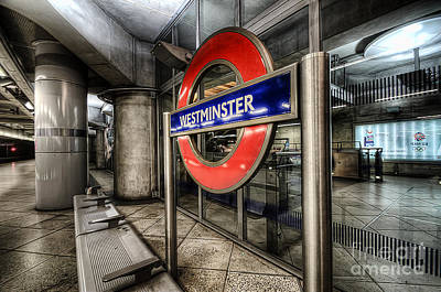 Photograph - Westminster by Yhun Suarez