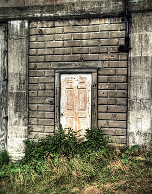 Photograph - White Door by Tammy Wetzel