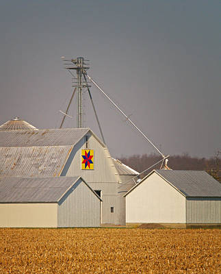 Patch Quilts Photograph - White Quilt Barn by Brian Mollenkopf