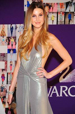 In Attendance Photograph - Whitney Port Wearing David Meister by Everett