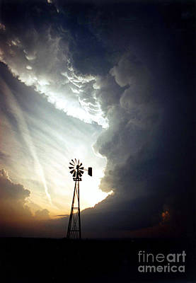 Strong America Photograph - Windmill, Supecell Formation by Science Source