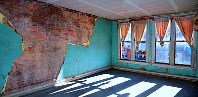 Photograph - Windows To Roane Street by Paul Mashburn