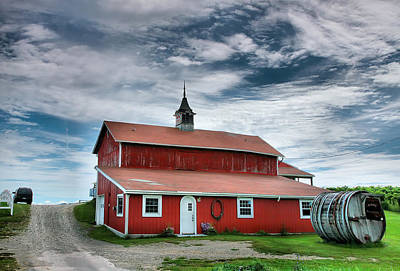 Canandaigua Lake Photograph - Wine Country Barn II by Steven Ainsworth