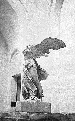 Winged Victory Of Samothrace Art Print by Louis Nugent