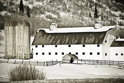 Photograph - Winter Barn 2 by Marilyn Hunt