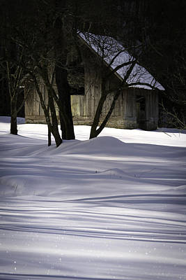 Winter Barn Art Print by Rob Travis