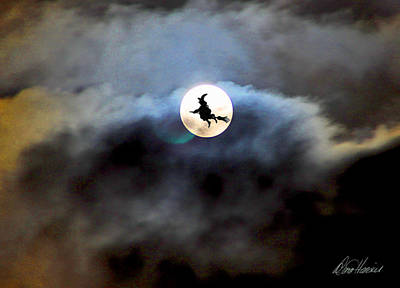 Photograph - Witchy Moon by Diana Haronis