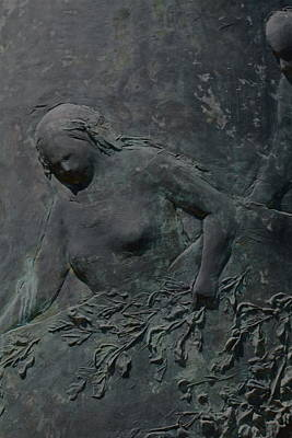 Photograph - Woman Sculpture by Kate Purdy
