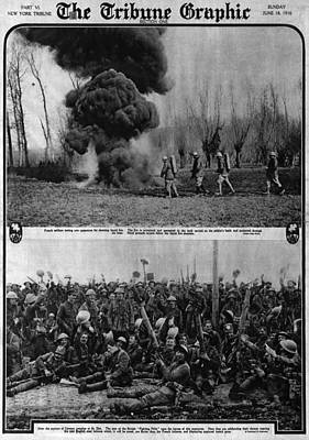 World War I, The Tribune Graphic, Top Art Print by Everett